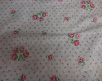 Vintage Seersucker Bedspread White with PINK Rose Bouquets, Pink ROSES and Tiny Pink Rosebuds - Lightweight Cotton Full / Double Bedspread