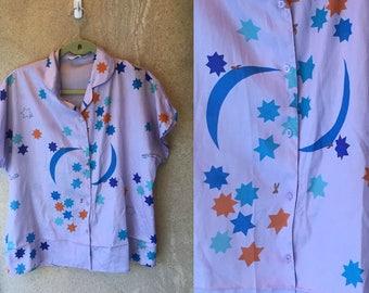 GLORIA VANDERBILT 80's 90's Lavender Pastel Star Moon Celestial Sheer Silky Top Medium