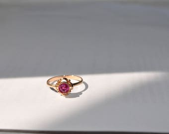 SOVIET 14kt solid gold rose gold and ruby ring 583 hallmarked USSR