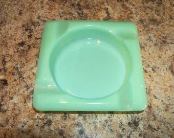 FREE USA Shipping-Fire King Jadeite Jadite Ashtray-Marked Fire King Oven Glass-Excellent