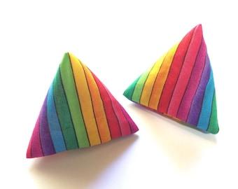 Rainbow 'Flipper' Pyramid Cat Toy - Red White & Mew - catnip cat toy