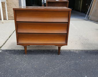 Mid Century Modern dresser, chest PICK UP Only painting included, Retro bedroom, night stand, MCM, mod