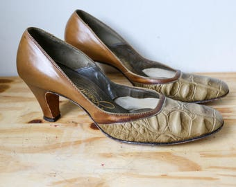 1960s 70s Two Tone Shoes Pinup Pump Retro Johansen 40s Inspired Mod Revival Vintage
