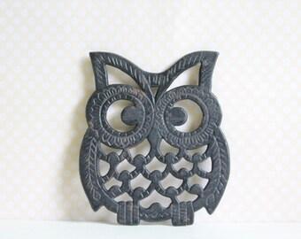 1970s Vintage Owl Trivet, Decorative Wall Hanging, Cast Iron