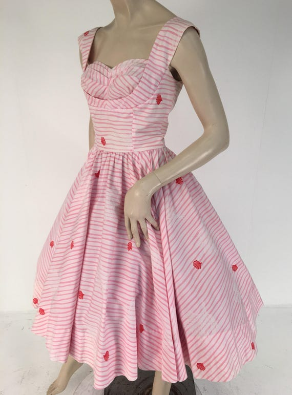 1950s Desmonds Made in Honolulu Pink a s White Sea Shell Cotton Circle Dress