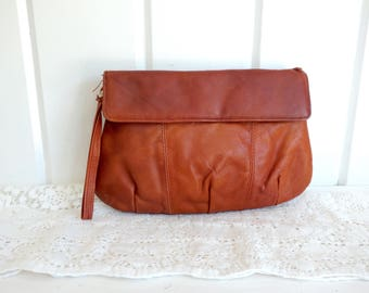 Vintage 1970s Soft Supple  Leather Saddle Tan Brown Purse Bag Simple Clutch Wristlet Handbag with Flap made in Hong Kong
