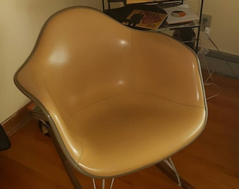 Herman Miller RAR Rocking Chair, Charles Eames - 1960's