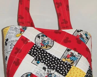 Mickey and Minnie Quilted Shoulder Bag