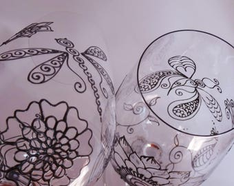 BUTTERFLY & DRAGONFLY designs on wine glasses. Set of 2 . One of a kind, gift with symbolism- liberation, transformation, new beginnings