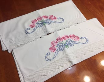Vintage set of 2 White Pillowcase with a White hand crochet border for housewares, bedding by MarlenesAttic