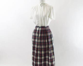 SUMMER SALE Vintage 1970's Vintage green Plaid Pencil Skirt - Pendleton midi Skirt ladies size Medium- Really Now, Muriel.