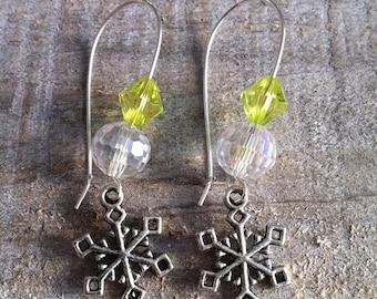 Snowflakes earrings large silvery green ties