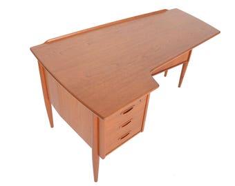 Swedish Modern Boomerang Desk in Teak by Lelangs Mobelfabrik #2