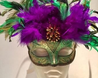Mardi Gras masks- Masquerade Mask -gold Mask- Mardi Gras Masquerade - Carnival mask- Feather mask- Unisex Mask- Venetian Mask- Purple masks