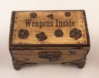 Dungeons & Dragons - Weapons Inside- Dice Box