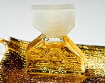 Vintage INFINI by Caron Perfume Micro Mini Splash 2 ml (.10 oz) Full Gift Bag