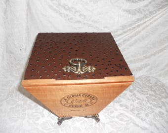 Mens Jewelry Box, Custom Cigar Box Men's Valet, Ostrich Leather, Valuable Box, Stash Box, Authentic Cigar box, Neutral