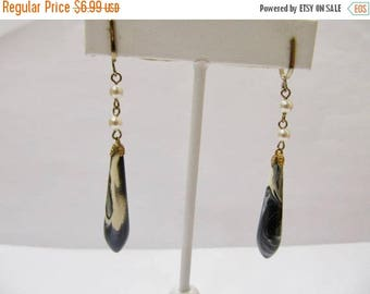 ON SALE Vintage Pierced Look Black and White Swirl Dangle Earrings Item K # 842