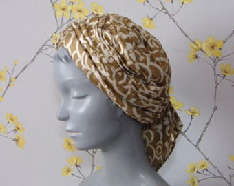 Vintage 1970s Turban Hat Ladies Hat Geometric Print Bronze Gold and Cream Hat Scarf Hat Hippie Hat Pleated Turban