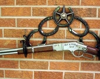 horseshoe gunrack