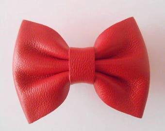 Hair clip red genuine leather of 5.5 X 4 cm