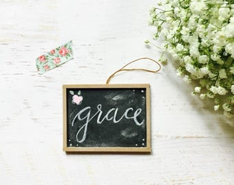 small chalkboard sign, mini chalk board, hope sign, hanging ornament, wood framed chalkboard, handpainted flowers, encouragement gift tag