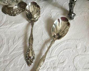 Baroque Ornate Rogers Silverplate Shell Shaped Bowl Sugar Spoon