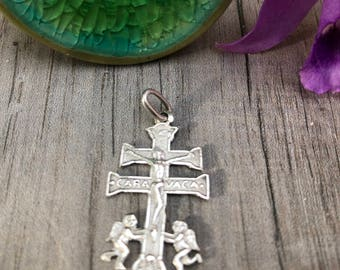 Small Caravaca crucifix. Sterling silver. Second hand.