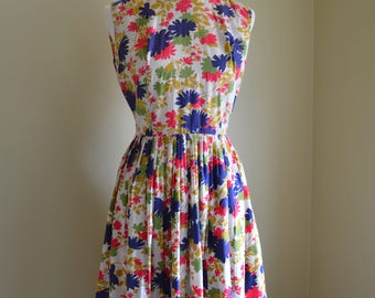 Vintage 50s 60s full skirt floral sundress / Vintage 50s 60s sundress