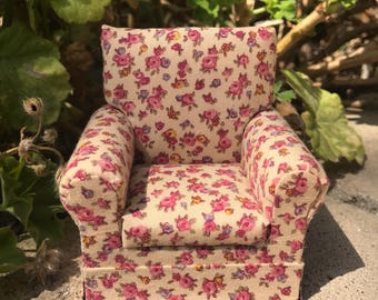 Shabby Chic Armchair in Mauve Florals - Dollhouse Miniature