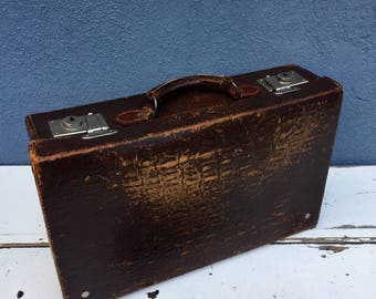 Beautiful little leather travel case.