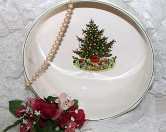 "Pfaltzgraff Christmas Heritage ALL Original - Large Serving Bowl -  9 1/2"" - Barely Used"