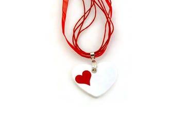 """red heart"" pendant in porcelain"