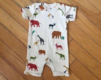 Baby boy or girl romper sz 6-9m. Organic knit fabric