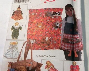ON SALE Toy Bean Bag Animal Beanie Baby Organizer Tote Sleeping Bag and Clothes sewing pattern Craft Simplicity 7695