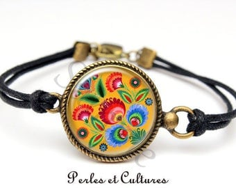 Folk art motif flower bracelet folk red yellow green blue cabochon