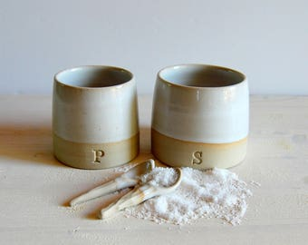 Salt and pepper cellars Serving salt and pepper Housewarming gift Ceramic and pottery White stoneware Salt and pepper pots with spoons