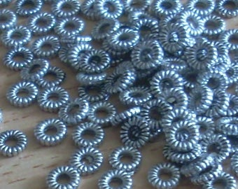 20 separator beads streaked rondelle 5mm antique silver