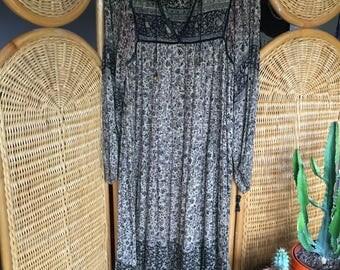 Beautiful black and beige vintage indian cotton gauze dress