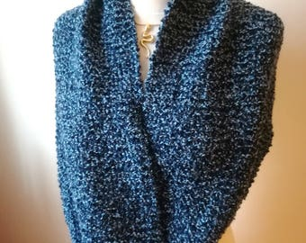 Gros snood en laine bleue tricoté main pour homme...ou femme !