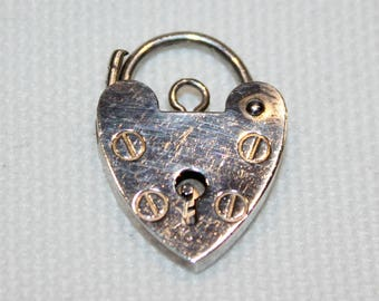 Sterling Silver Heart Padlock (suitable for a bracelet) London 1990