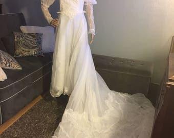 Wedding Vintage dress, Vintage Bridal dress, 1970's dress, something old bridal dress, white wedding dress