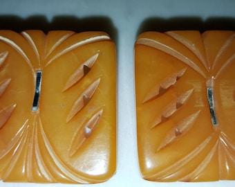 Vintage buttons/bakelite/ butterscotch / pair of bakelite buttons / buttons/ bakelite buttons/ carved buttons