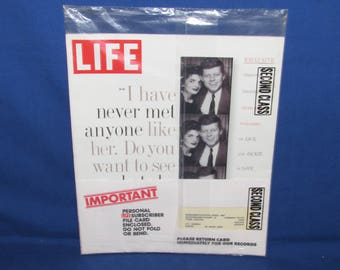 LIFE MAGAZINE August 1995 John F Kennedy and Jackie Kennedy Photos In Love Still Sealed in Plastic