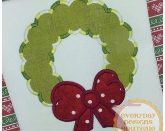 ON SALE Christmas Wreath Machine Embroidery Applique Design