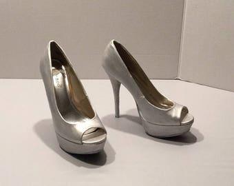 Ooak Pearlized Bridal/Winter Wonderland, Special Occassion Open Toe Ladies Platform Heels Size 6, Wedding Heels, Bridal Heels, Peep Toe,