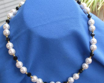 Vintage White Faux Pearl &  Black Acrylic   Beaded Necklace