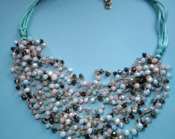 Shimmery turquoise color beaded necklace