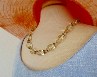 2.095.0032 Delicate necklace with citrin beads and gilded, 925 silver bead ends