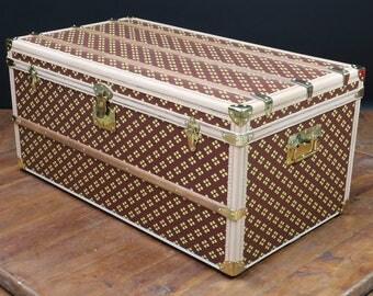 steamer trunk monogrammed brand Aux Etats-Unis
